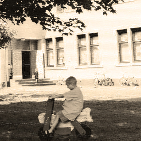 altes Bild vom Käppele, spielende Kinder